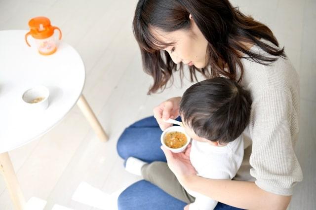 赤ちゃんのおやつは6か月であげていい?どんな食材ならOK?
